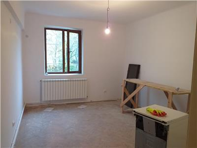 Apartament 2 decomandate, zona Narcisa